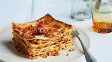 Lasagne Bolognese Rezept - lasagna bolognese recipe bon appetit