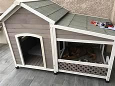 niche en bois avec terrasse pour grand chien zolia falco