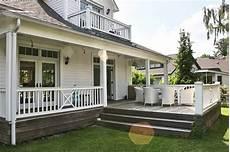 amerikanisches haus mit veranda open house rear balkon veranda terrasse im landhausstil