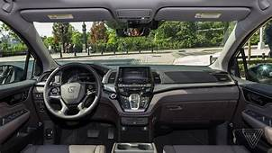The 2018 Honda Odyssey Turns Screens On Your