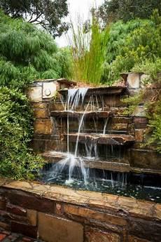 decoration cascade d eau bassin d eau en pierres d 233 co cascade garden fontaine