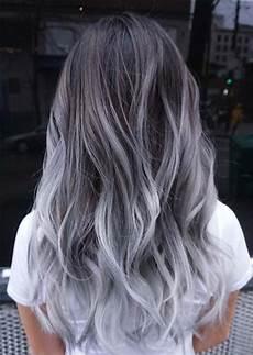 trend zum silberhaar 51 coole graue haarfarben und tipps