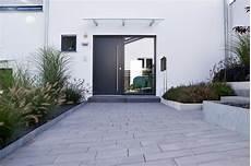 Heim Galabau Moderne Gartengestaltung Am Hang