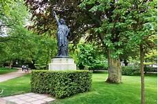 Statues De La Libert 233 Les Cinq Parisiennes