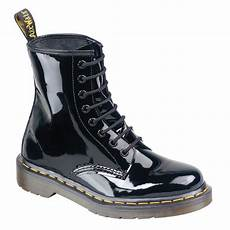dr martens womens modern classic black patent boots 11821011