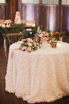 31 wedding table setting ideas for couples tastymatters com