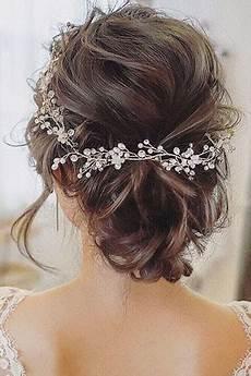 svatebni ucesy na dlouhe vlasy svatebn 237 250 芻esy vytvo蝎 237 me nev茆st茆 kr 225 sn 253 250 芻es na svatbu v