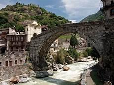 Pont St Martin Italyzone