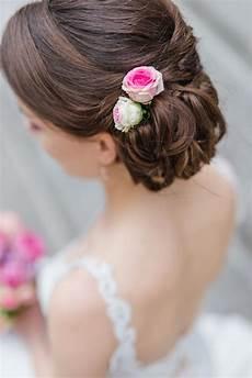 Blumen Im Haar Hochzeit - pin auf frisuren der braut