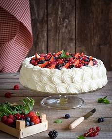 crema ai frutti di bosco torta crema e frutti di bosco nel 2019 torta ai frutti di bosco torte e torte dolci