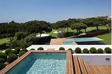 Cantilevered Pool Designs
