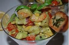 Salade D Avocat Aux Crevettes Tchop Afrik A Cuisine