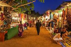 10 amazing places to go shopping in india