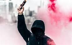 Gambar Orang Smoke Keren 27 Anonymous Pictures