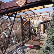 ueberdachung mit polyester wellbahn selbst terrassen 252 berdachung selber bauen schritt f 252 r schritt