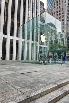Apple Store Fifth Avenue Nyc Redaktionelles Stockbild