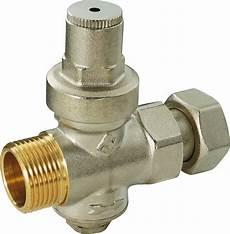 regulateur de pression chauffe eau r 233 ducteur de pression pour chauffe eau bricoman