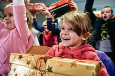 mitgepackt bei weihnachten im schuhkarton 174 logo aktiv