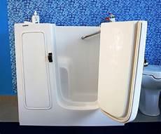 vasche per disabili prezzi vasche da bagno con sportello per disabili e anziani