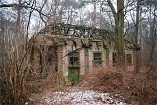 haus im wald foto bild architektur lost places