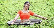 iniya navel show malayalam in blouse photos photos