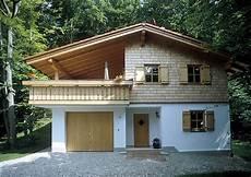 bungalow am hang mit keller blockhaus bungalow