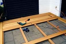 Holzterrasse Verlegen Coole Idee F 252 R Ihren Au 223 Enbereich