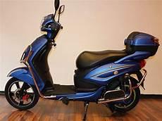 elektroroller mit straßenzulassung ohne führerschein elektro scooter power blau mit stra 223 enzulassung