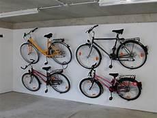 fahrrad garage aufhängen einfach mal abh 228 ngen der pedalparker