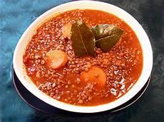 lentilles en sauce tomate la recette facile par toqu 233 s 2