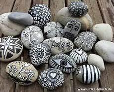 steine bemalen stifte pens stones deko ideen painting