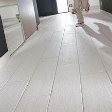 carrelage imitation parquet gris 13368 carrelage sol et mur blanc 15 x 50 cm organic wood carrelage sol parquet blanc et carrelage