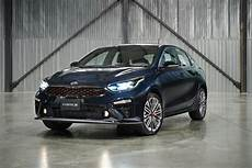 kia forte hatchback 2020 2020 kia forte5 debuts as a handsome hatchback 187 autoguide