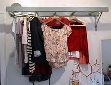 diy leiter als garderobe diy kleiderschrank garderobe