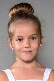 coiffure enfant fille les coiffures pour enfants tendance en 57 photos archzine fr
