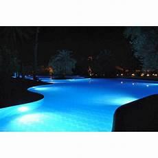 projecteur led pour piscine lumiere blanche ou multicouleur