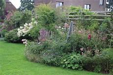jardin en aout des fleurs en ao 251 t 2 le jardin de bene