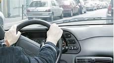 se débarrasser de sa voiture il sabote les freins de la voiture pour se d 233 barrasser de sa compagne rtl info