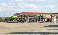 prix du diesel en espagne station service en espagne photo 233 ditorial image du diesel 45616231