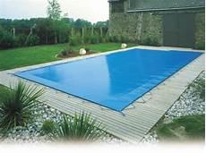 couverture piscine pas cher bache de piscine filet pour l hiver bache de piscine