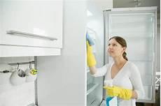 kühlschrank sauber machen den k 252 hlschrank dauber zu machen ist einfacher als du