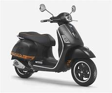 vespa 125 gts vespa gts 125 review scooters mopeds motorcycles