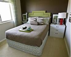 Wall Paint Small Bedroom Color Ideas by Choosing The Colors For Small Bedrooms Home