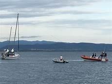 ieri pomeriggio gli uomini della guardia costiera di sant antioco hanno soccorso una barca a