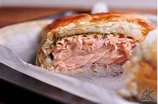 Pesto Salmon En Cro 251 Te Salmon In Pastry An Easy 30 Minute