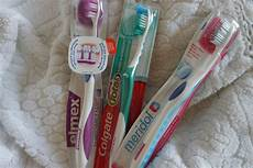 Wie Oft Sollte Die Zahnbürste Wechseln - gepflegte z 228 hne sind ein muss aber welche zahnb 252 rste ist