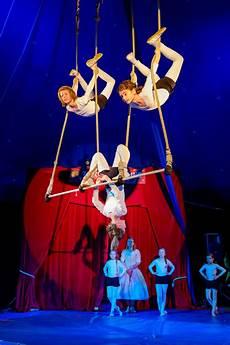 Ausmalbilder Zirkus Trapez Trapez Dobbelino Zirkus Zirkusschule