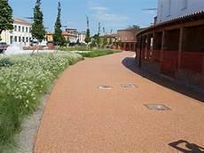 pavimenti per cortili pavimentazioni in resina per esterni a belluno superfici