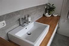 Badezimmer Waschtisch Halbhoch Mit Mosaik Farblich