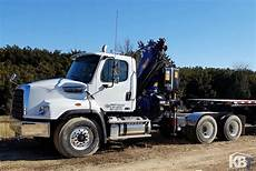 barely used pm 21525 knuckle boom crane on freightliner